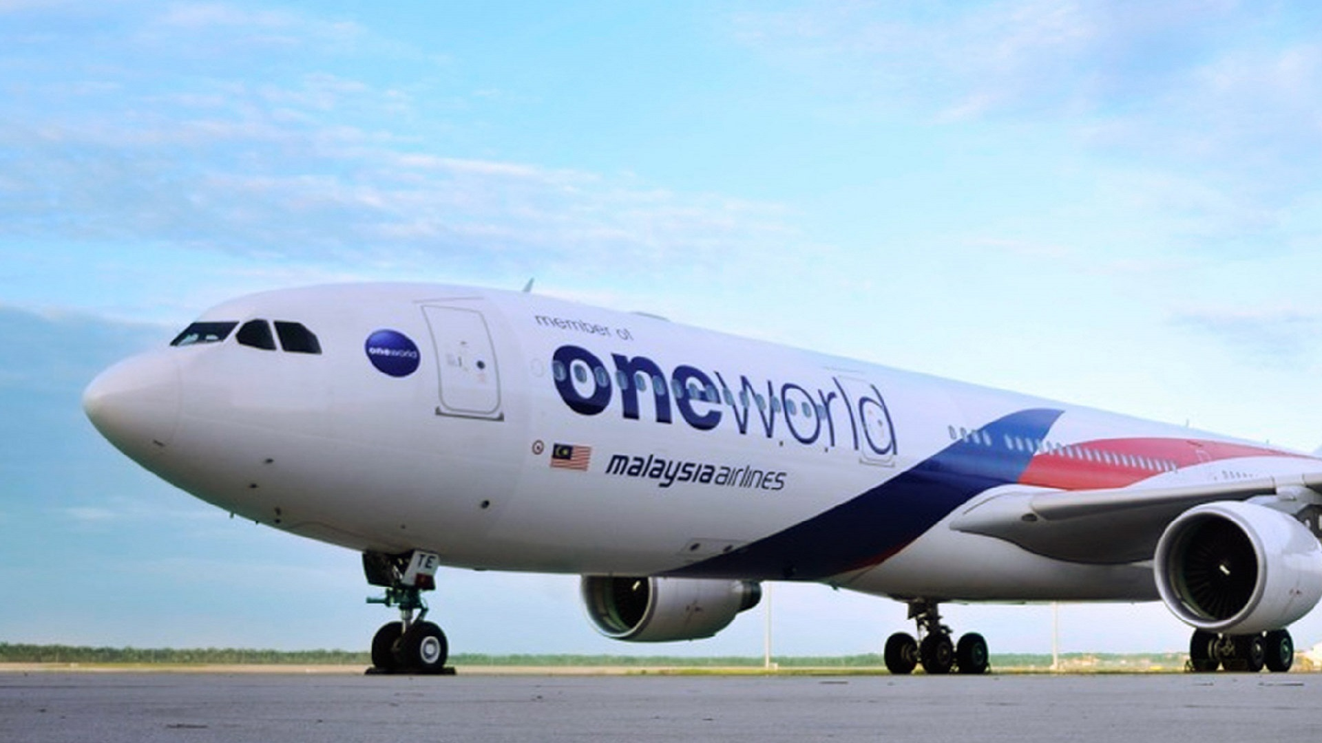 Malaysia Airlines with One World livery | malaysiaiarlines.com
